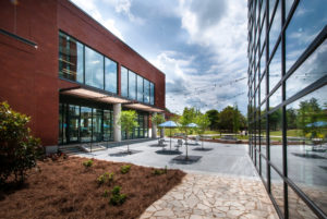 Gordon-College-Library-exterior1-Education Construction-Benning-Construction-Company